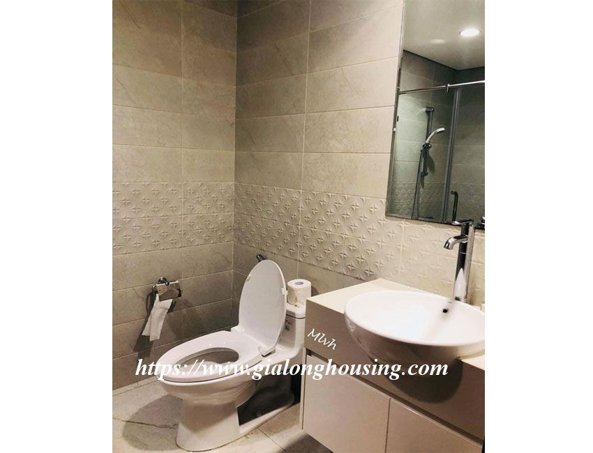 2 bedroom furnished apartment in Vinhomes, Nguyen Chi Thanh street 3