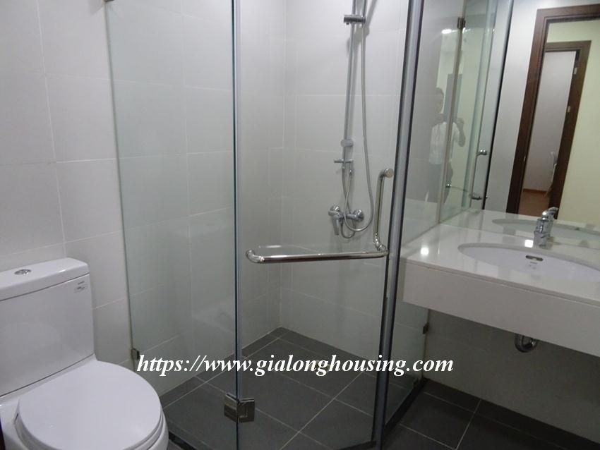 Brand new 2 bedroom apartment in Discovery Complex Cau Giay 3