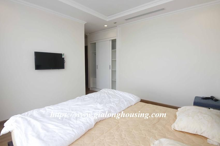 3 bedroom apartment in Vinhomes for rent 15
