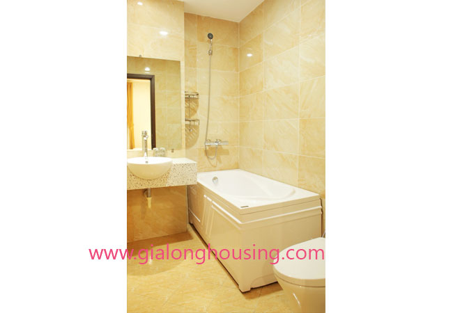 01 bedroom apartment for rent in Dao Tan street, Ba Dinh district 11