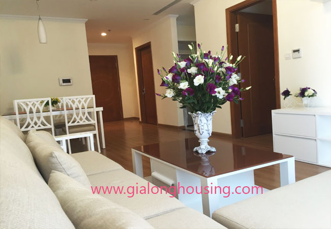 Modern 2 bedroom apartment in Vinhomes Nguyen Chi Thanh Hanoi 3