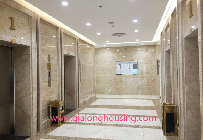 Modern 2 bedroom apartment in Vinhomes Nguyen Chi Thanh Hanoi 7