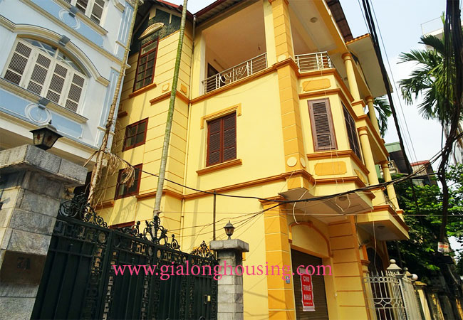 5 bedroom house for rent in To Ngoc Van street 1