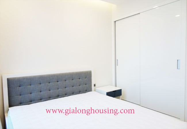 Brand new luxury apartment for rent in Vinhomes Metrpolis 8