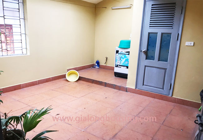 5 bedroom house for rent in Xuan La street, court yard 15