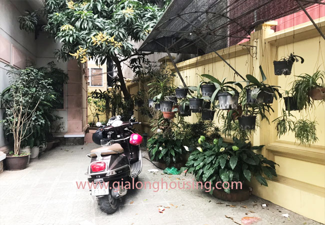 5 bedroom house for rent in Xuan La street, court yard 3