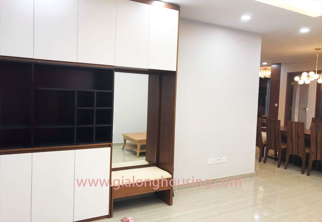 Big size 3 bedroom apartment for rent in L3 building Ciputra 7