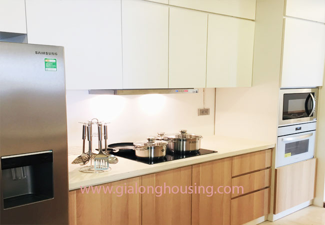 Three bedroom apartment for rent in L1 building, Ciputra 4