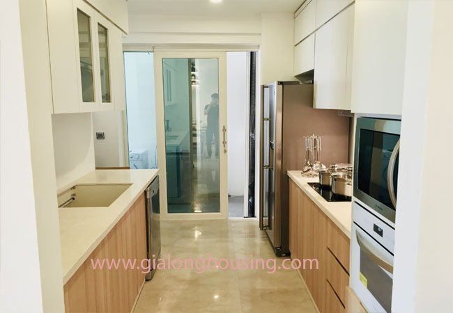 Three bedroom apartment for rent in L1 building, Ciputra 5