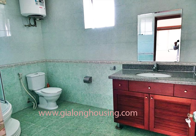 House with front courtyard on To Ngoc Van, Tay Ho for rent 11