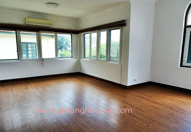 House with front courtyard on To Ngoc Van, Tay Ho for rent 12