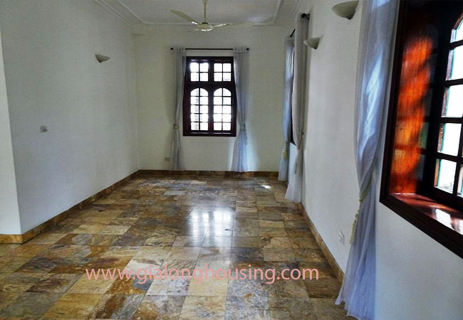 House with front courtyard on To Ngoc Van, Tay Ho for rent 15