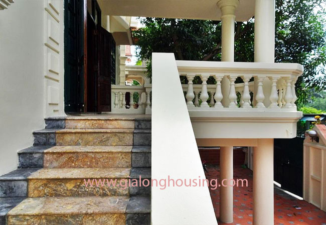House with front courtyard on To Ngoc Van, Tay Ho for rent 4