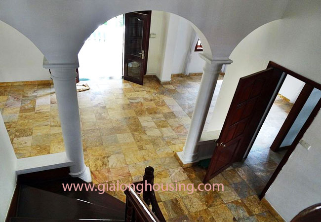 House with front courtyard on To Ngoc Van, Tay Ho for rent 5