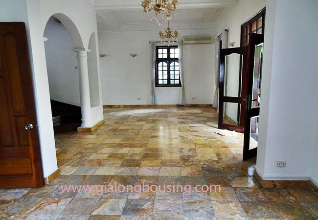 House with front courtyard on To Ngoc Van, Tay Ho for rent 6