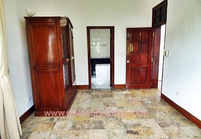 House with front courtyard on To Ngoc Van, Tay Ho for rent 2