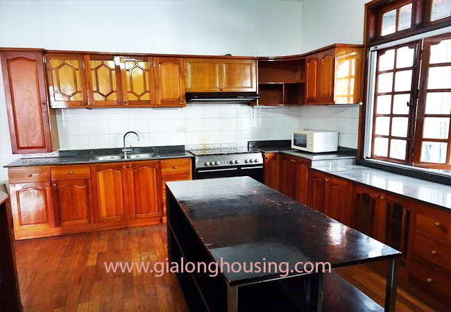 Gorgeous large villa with garden to let in the To Ngoc Van street 6