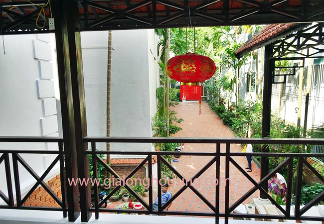 Gorgeous large villa with garden to let in the To Ngoc Van street 12