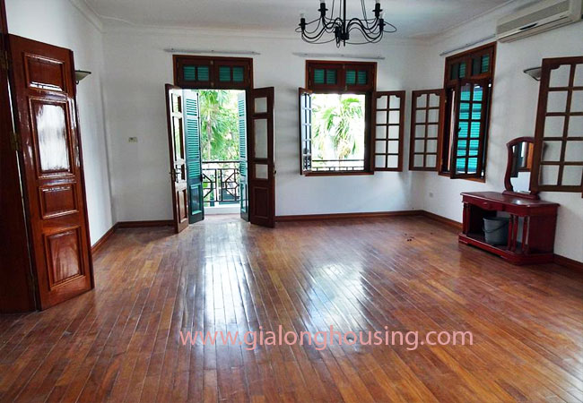 Gorgeous large villa with garden to let in the To Ngoc Van street 16