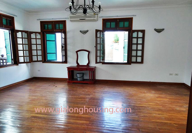 Gorgeous large villa with garden to let in the To Ngoc Van street 20