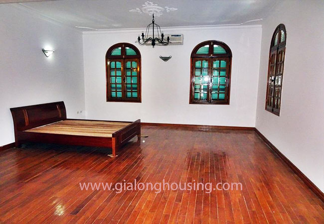 Gorgeous large villa with garden to let in the To Ngoc Van street 3