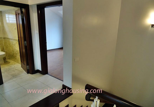 Nice house for rent in Dang Thai Mai street, Tay Ho district 10