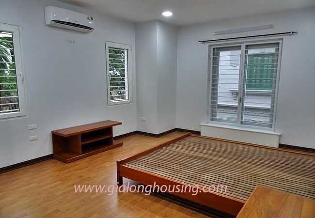 Nice house for rent in Dang Thai Mai street, Tay Ho district 18