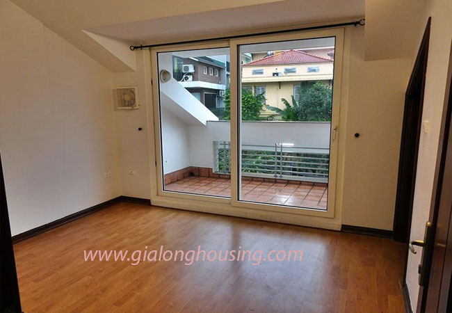 Nice house for rent in Dang Thai Mai street, Tay Ho district 19