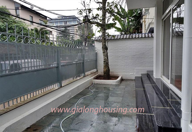 Nice house for rent in Dang Thai Mai street, Tay Ho district 3