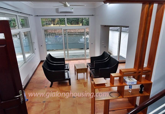 Nice house for rent in Dang Thai Mai street, Tay Ho district 4