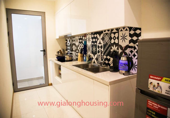 Two bedroom apartment for rent in Vinhomes Nguyen Chi Thanh, nice furnished 4