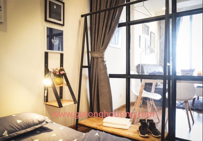 Two bedroom apartment for rent in Vinhomes Nguyen Chi Thanh, nice furnished 6