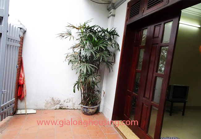 A cheap 4 bedroom house for rent in Tay Ho district 1