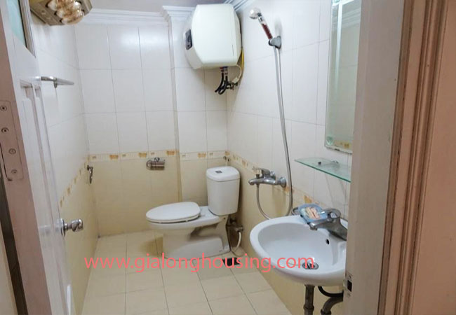 A cheap 4 bedroom house for rent in Tay Ho district 11