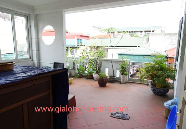 A cheap 4 bedroom house for rent in Tay Ho district 12