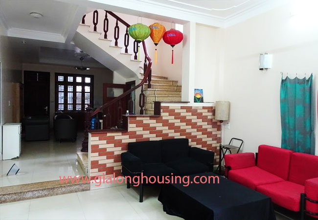 A cheap 4 bedroom house for rent in Tay Ho district 3