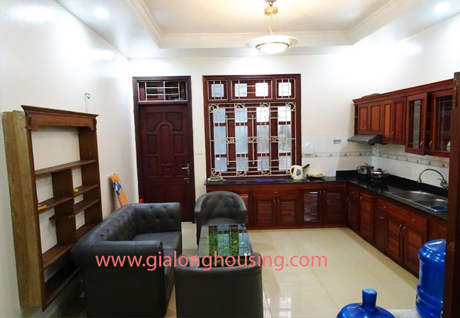 A cheap 4 bedroom house for rent in Tay Ho district 4
