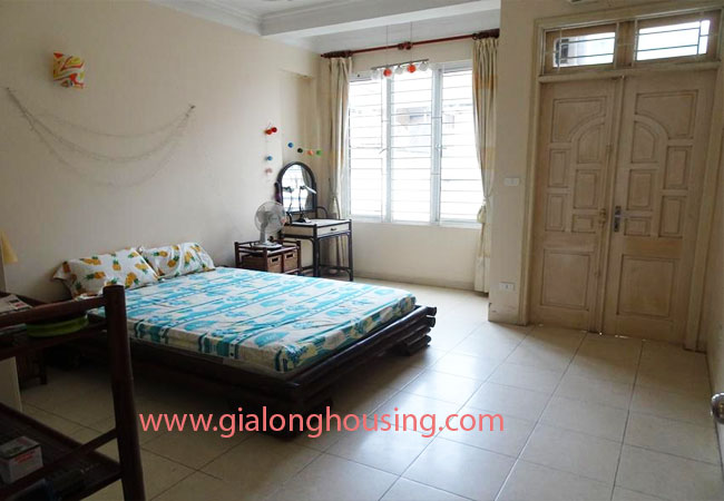 A cheap 4 bedroom house for rent in Tay Ho district 9