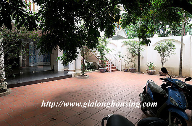 Very big unfurnished villa for rent on To Ngoc Van main road 4