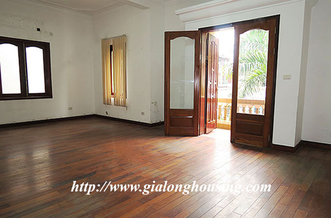 Very big unfurnished villa for rent on To Ngoc Van main road 18