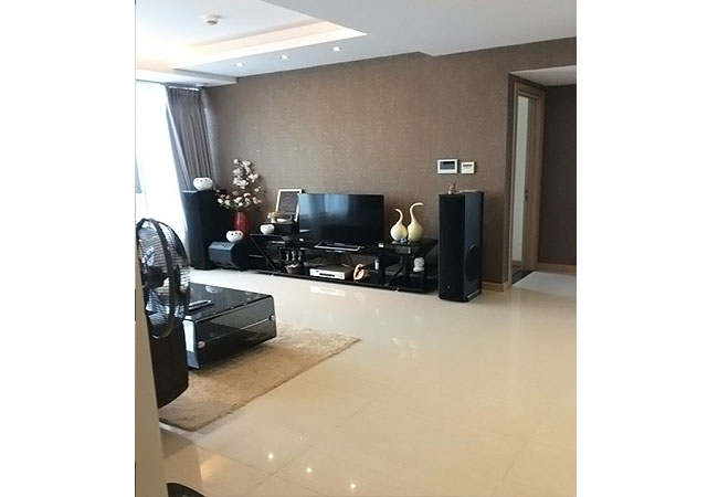 3 bedroom apartment in high floor of Thang Long No 1 building