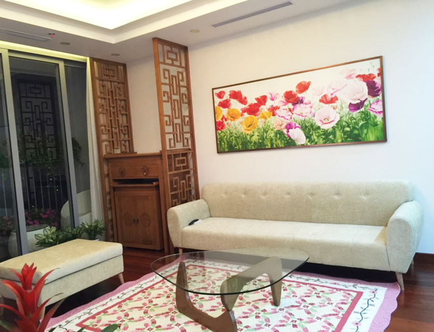 3 bedroom apartment in Vinhomes Nguyen Chi Thanh for rent