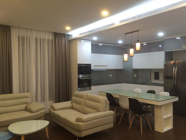 3 big bedroom apartment in Tue Tinh for rent