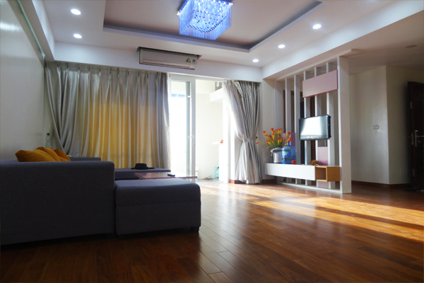 4 bedroom apartment for rent in Cau Giay District