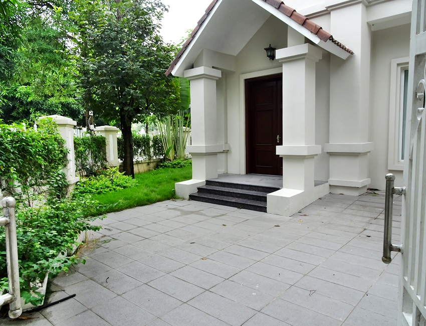 4 bedroom villa in Hoa Sua - Vinhomes Riverside