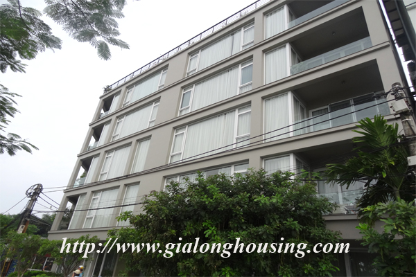 Apartment for rent in Tay Ho,lake view 1