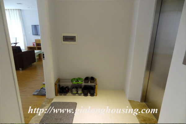 Apartment for rent in Tay Ho,lake view 2