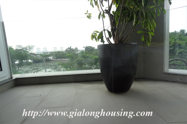 Apartment for rent in Tay Ho,lake view 13