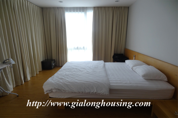 Apartment for rent in Tay Ho,lake view 9