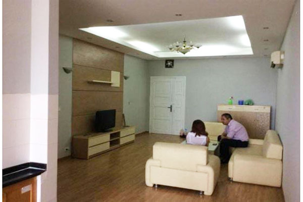 Apartment in Vuon Xuan building, Nguyen Chi Thanh street for rent
